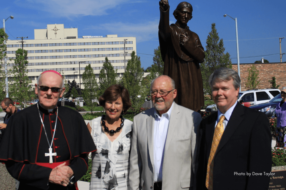 Bishop Baraga sculpture unveiling 2012 with Bishop Hurley, Joan and Peter Secchia and the sculptor